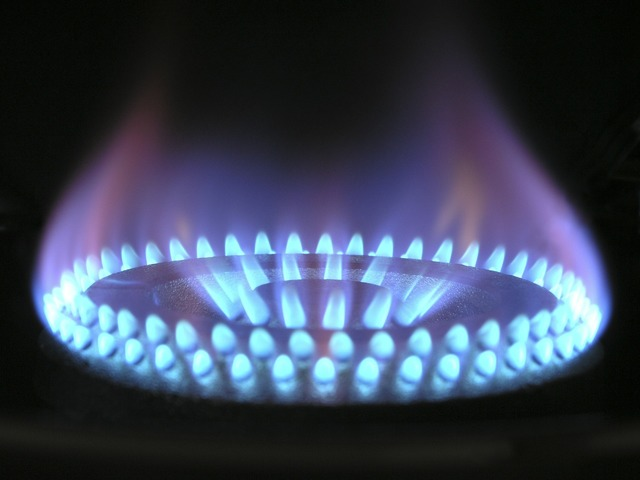 flame-580342_1920.jpg