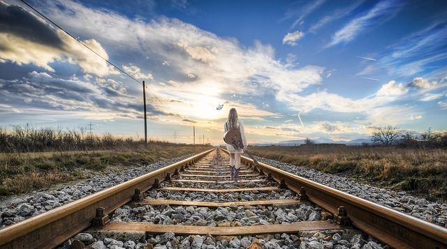 rail-2803725_640.jpg
